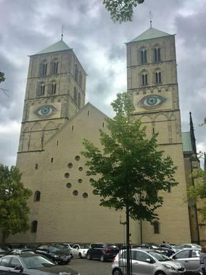 St-Paulus-Dom mit Augenbändern