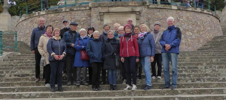 Unsere lehrer nrw-Reisegruppe am Fuß des Niederwalddenkmals
