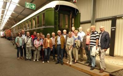 lehrer nrw-Besuchergruppe im Bochumer Eisenbahnmuseum